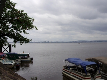 Le fleuve Congo entre Brazzaville et Kinshasa