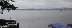 L'immense fleuve Congo, on parle de 4 km de large. En face, Kinshasa